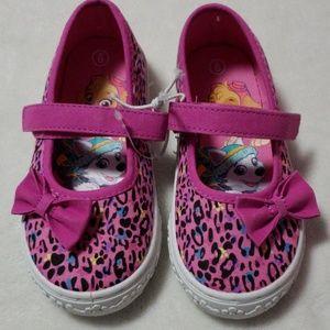 New kids Paw Patrol shoes. Size 9